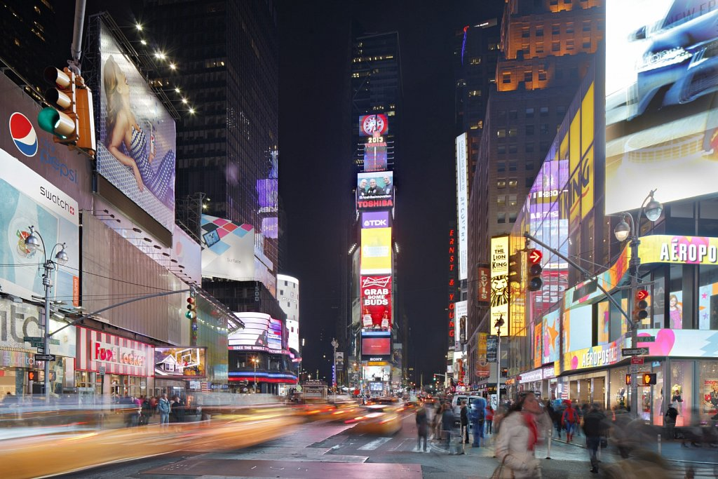 New-York-Time-Square-02.jpg
