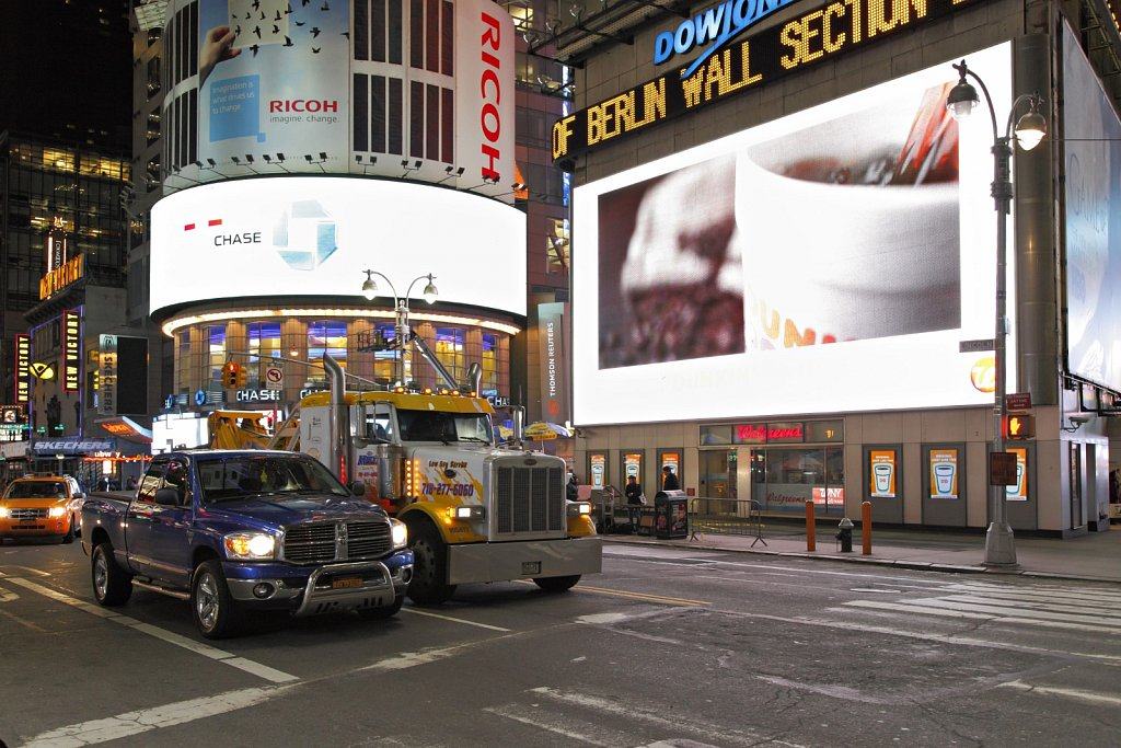 New-York-Time-Square-03.jpg